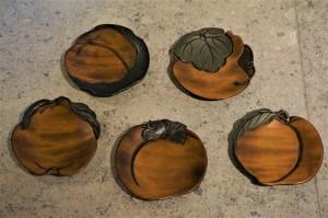 小皿 木の実